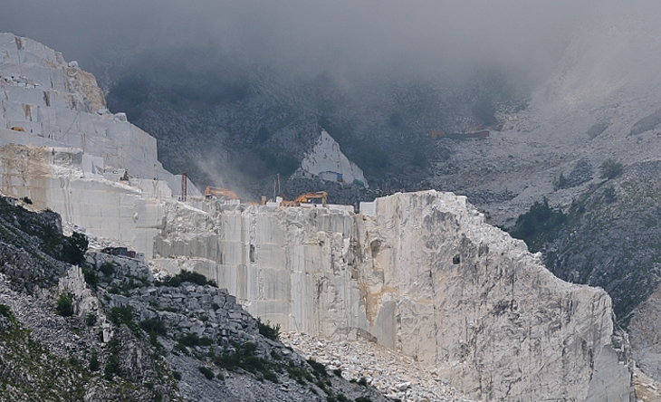 Carrara, the famous marble stone pits
