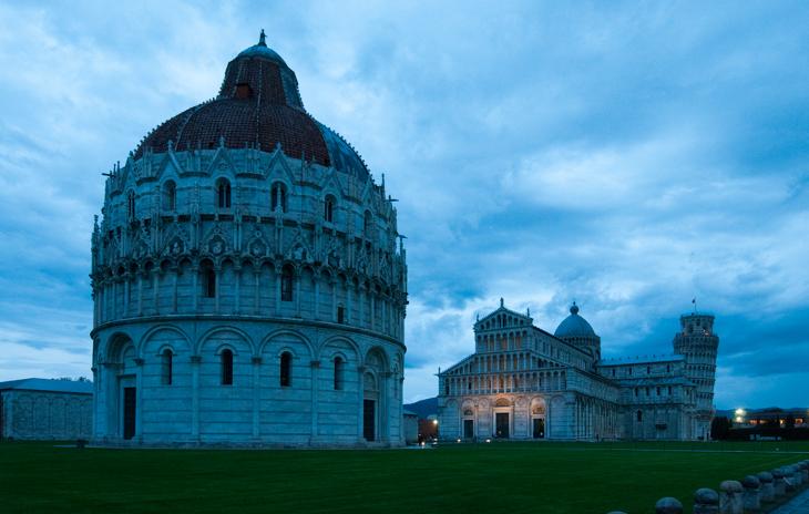 Pisa, Piazza dei Miracoli before sunrise